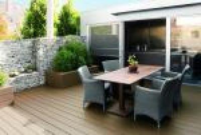 Terrassengestaltung reihenhaus  Terrassen- und Bodendielen aus Kunststoff - Terrassengestaltung mit ...