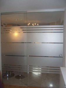 milchglasfolie als wirkungsvolle und lichtdurchl ssige sichtschutzfolie f r fenster. Black Bedroom Furniture Sets. Home Design Ideas